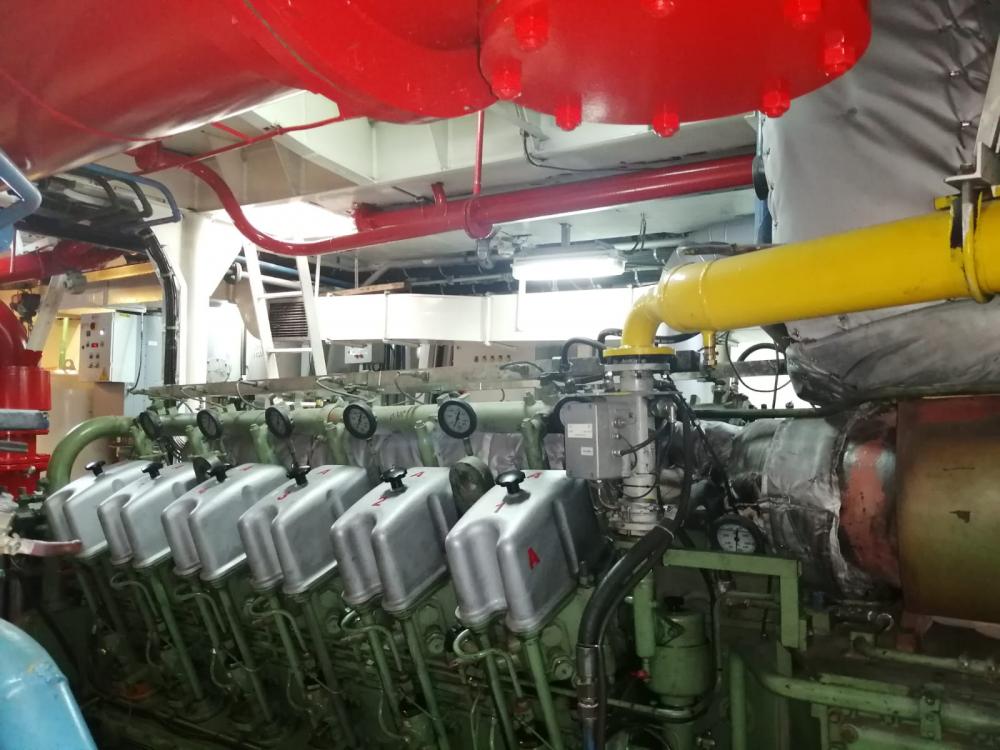 2 x 12DZC Main Engines